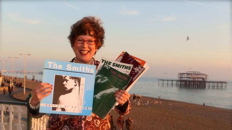 Lorraine Bowen presents Singalona Smiths at Brighton Dome