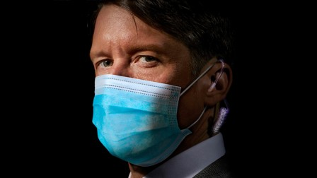 Jonathan Pie with mask on