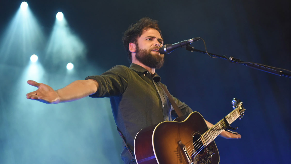 Passenger performing at Brighton Dome 2014