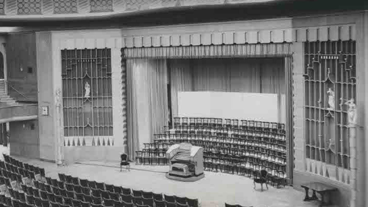 Brighton Dome Concert Hall 1935 after refurbishment with a new, built in Concert Organ